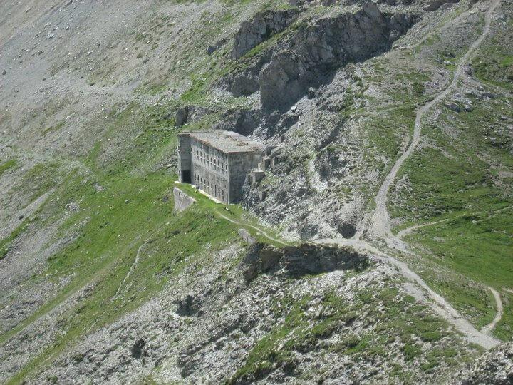 Passo Mulattiera barracks