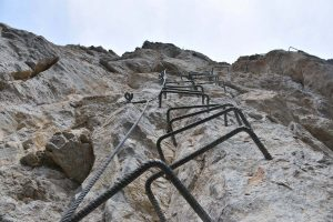 Ferrata Camoglieres 46 fifth section brackets