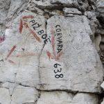 Ferrata Piazzetta segnavia sulla roccia