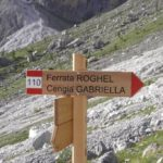 Roghel Ferrata Indication of path 110 for Roghel and Cengia Gabriella