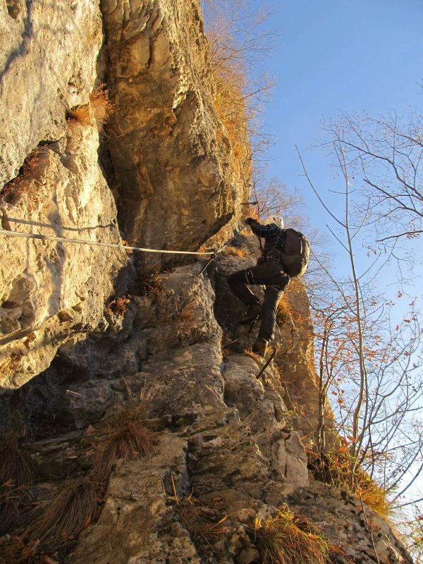 Ferrata parete falchi 14 traverso
