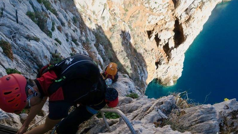 guida-alpina-ferrata-sardegna_pandizucchero-2-2.jpg